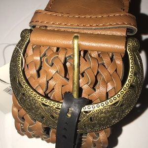 Accessories - Nwt wide woven belt